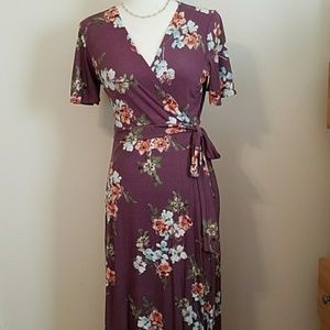 Dresses & Skirts - NWT Dusty lavender Wrap dress